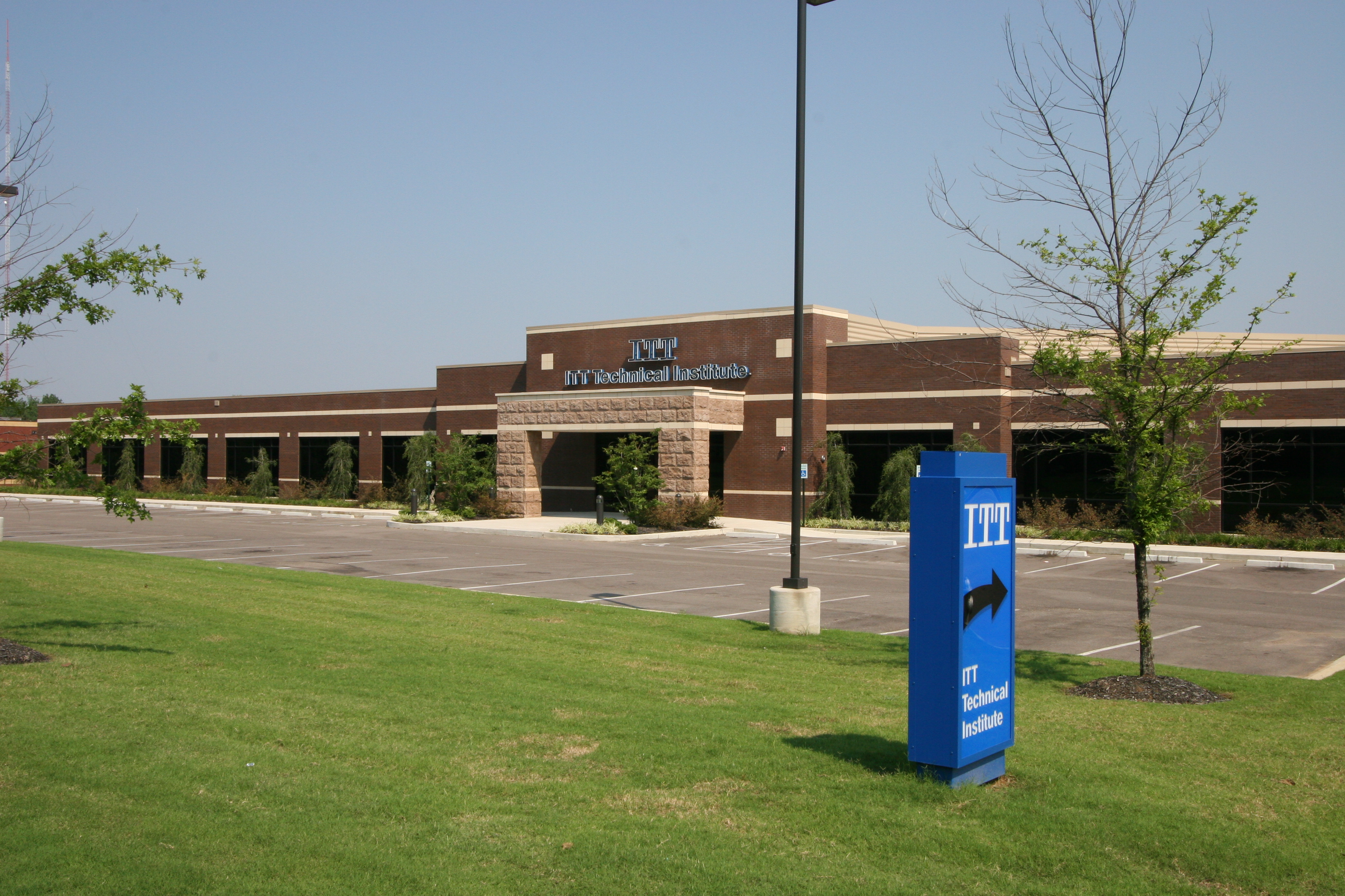 ITT Technical Institute, Educational roofing and construction