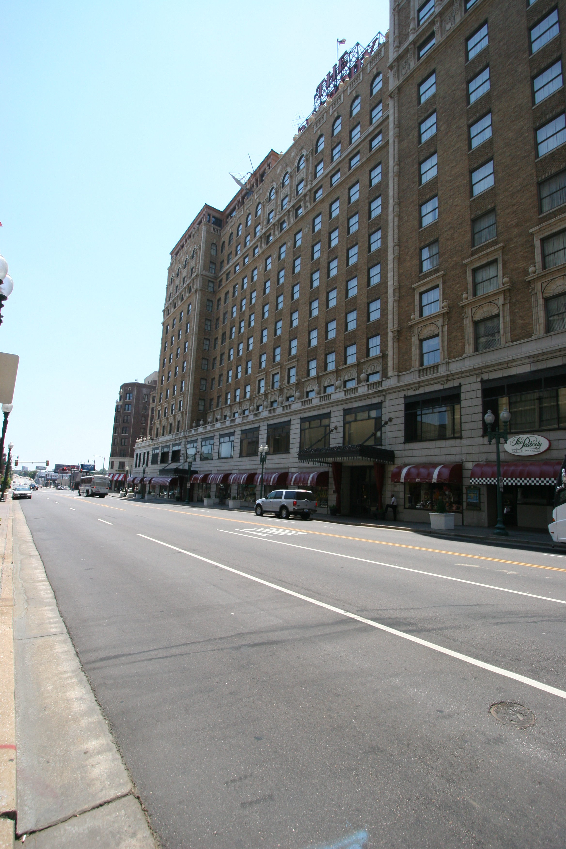 Peabody Hotel, hotel roofing contractors